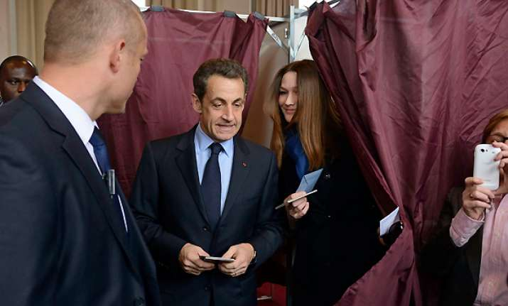 polls open in france for presidential election