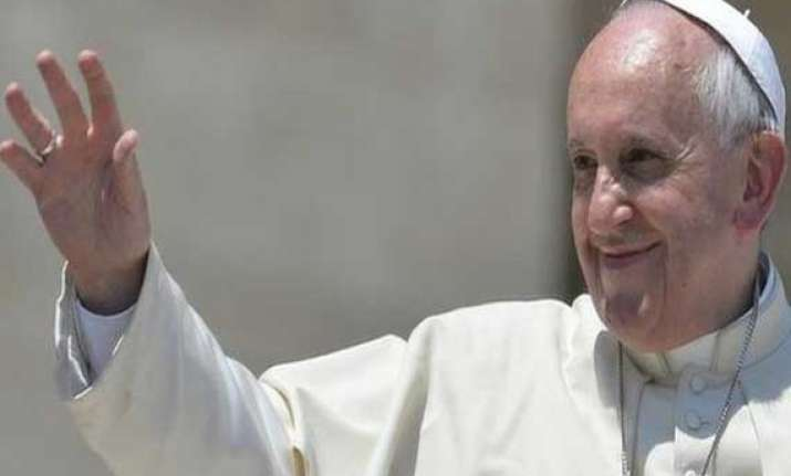 pope francis urges an end to israel palestine conflict