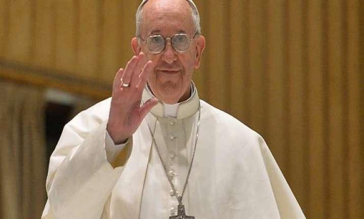 pope greets muslim migrants on ramadan