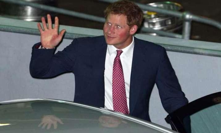 prince harry helps sydney celebrate navy centenary