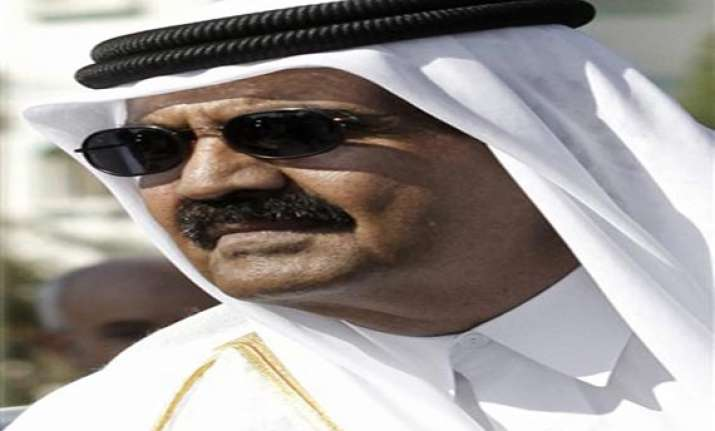 qatar s emir plans to step down for son reports