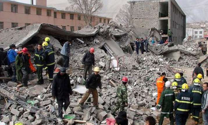 two killed 100 injured as moderate quake jolts southwest