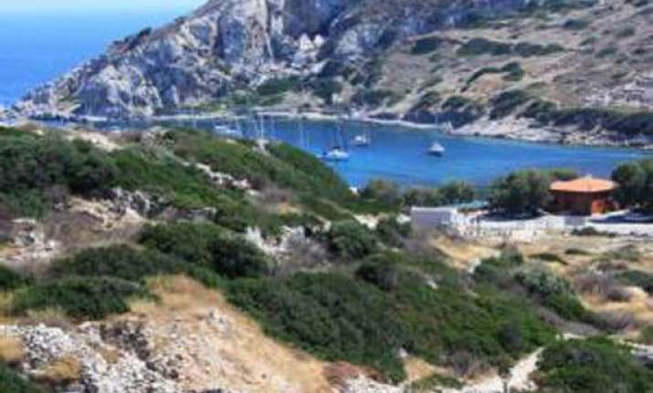 quakes rattle south western greece