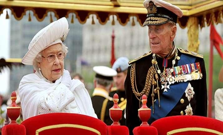 queen elizabeth s husband hospitalised