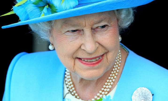 queen begins n.ireland trip to meet ex ira chief