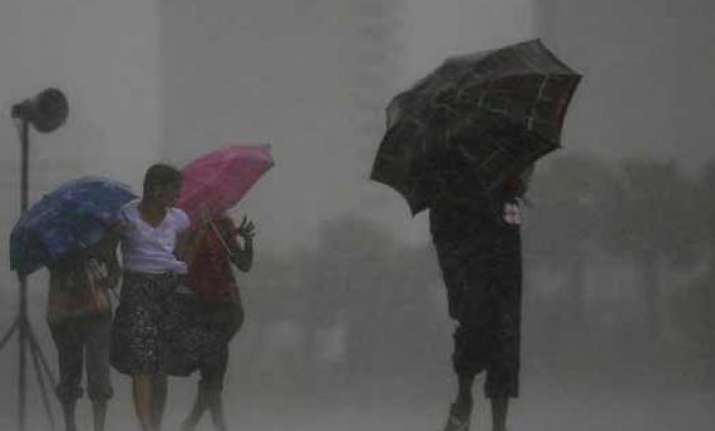 rain kills 5 in sri lanka 17 fishermen missing
