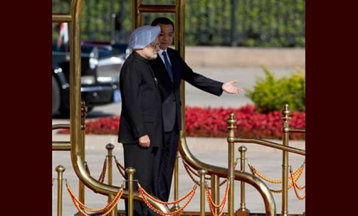 rare gesture former chinese pm hosts lunch for singh