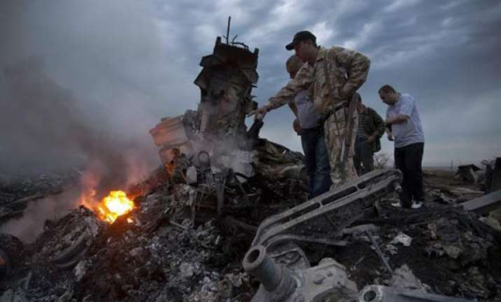 rebels take control of 219 bodies recovered from mh17 debris