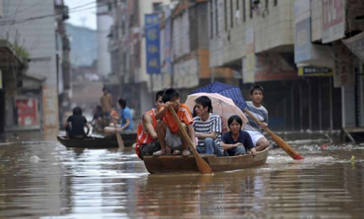 rescuers continue relief work in flood hit liaoning province