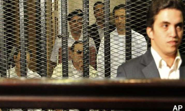 retrial of egypt s mubarak adjourned to august 17