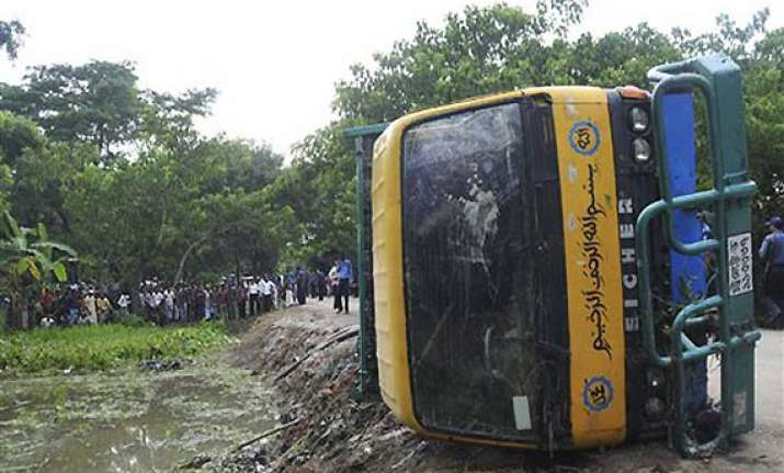 road accident kills 42 school children in bangladesh