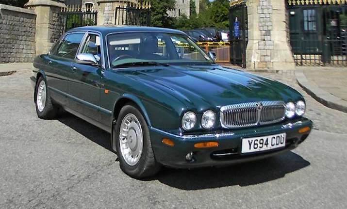 royal ride queen s daimler sells for 63k