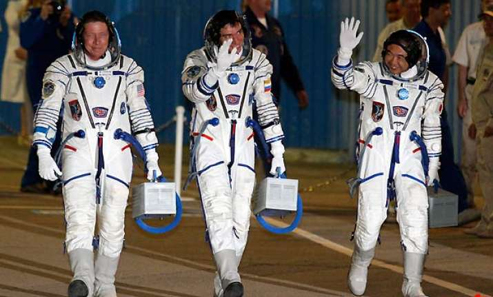 russian three man crew leaves for iss