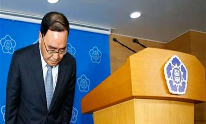 s korea names new prime minister after ferry disaster