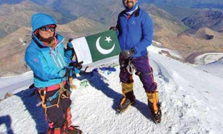 samina baig becomes first pak woman to conquer world s