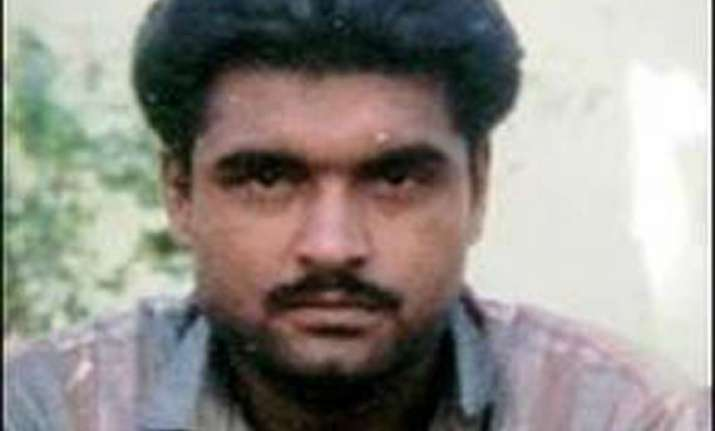 sarabjit case pak court asks govt s reponse on pardon