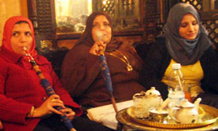 sheesha smoking banned in pak punjab