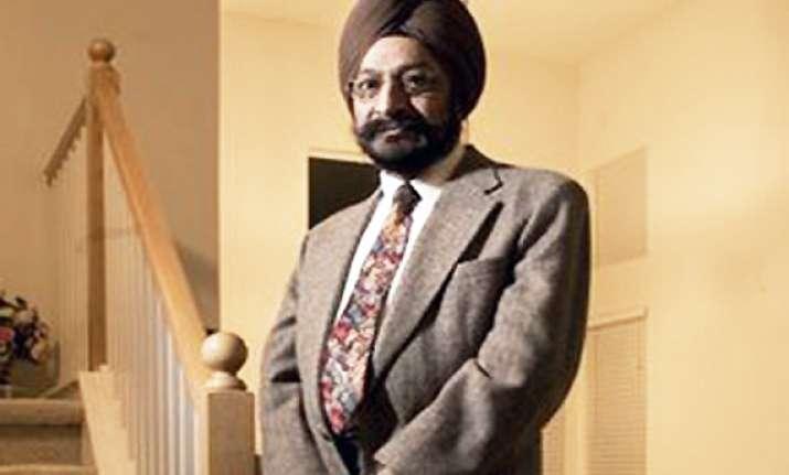 sikh gets job 295 000 in discrimination case in us