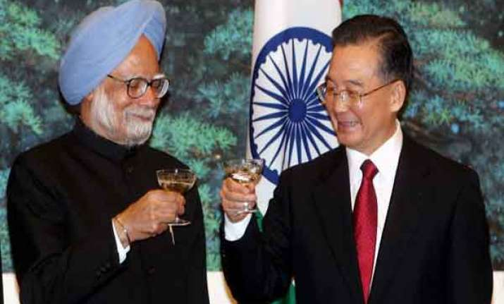 singh to meet chinese pm at regional summit