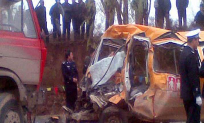 six dead in china bus crash