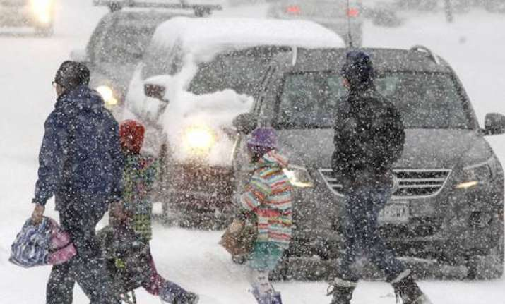 six dead as snowstorms hit us