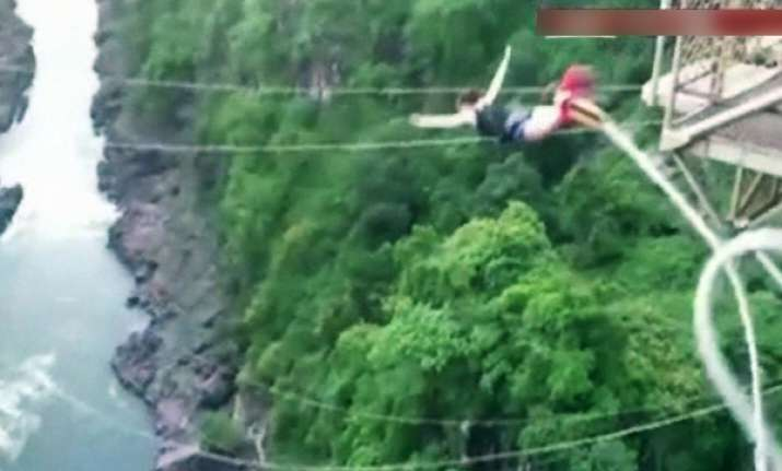 snapped bungee plunges tourist into african river
