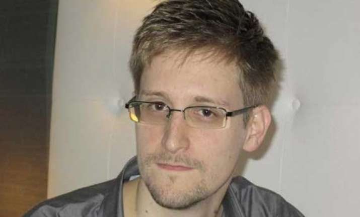 snowden officially seeks temporary asylum in russia