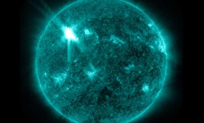 solar storm headed towards earth may disrupt power