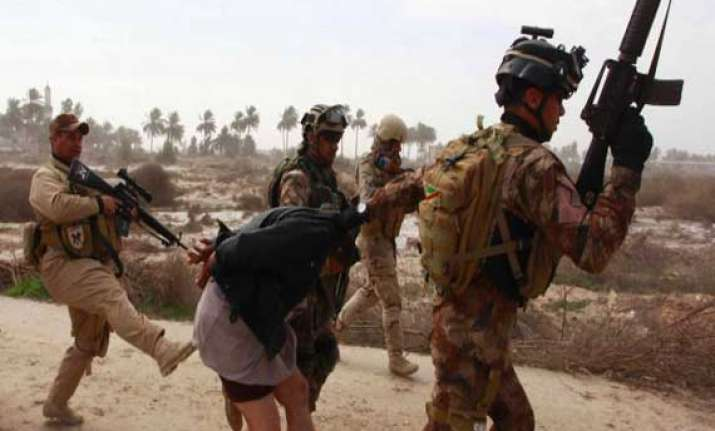 soldiers reportedly executing sunni detainees in iraq