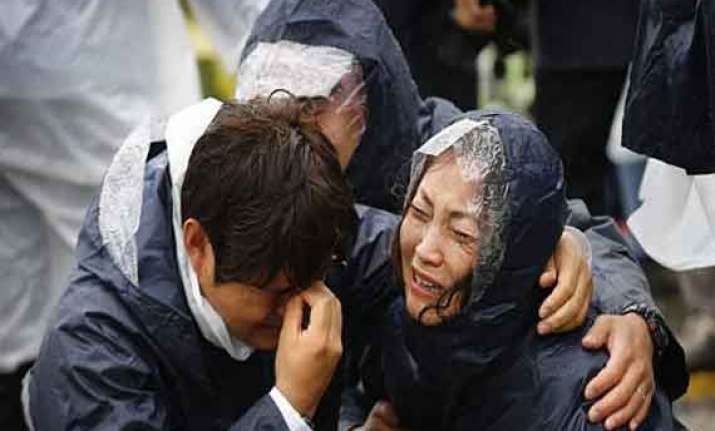 bodies retrieved from south korean ferry toll reaches 50