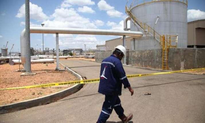 south sudan to shut down oil industry next week