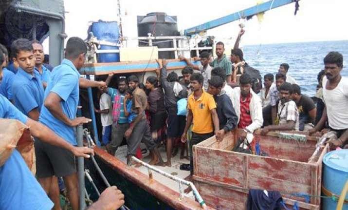 sri lanka arrests australia bound illegal migrants