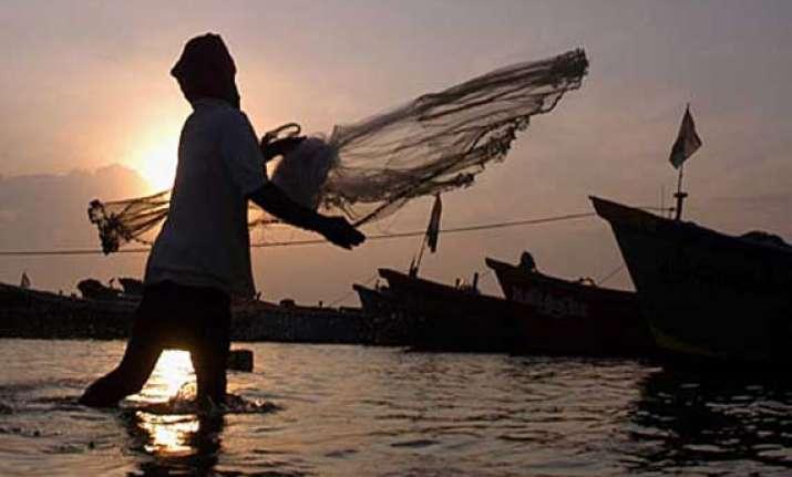 sri lanka orders release of 42 indian fishermen ahead of