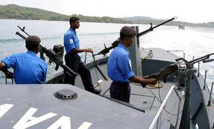 sri lankan navy arrests 27 indian fishermen