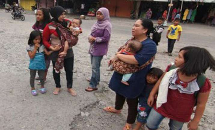 strong earthquake shakes indonesia
