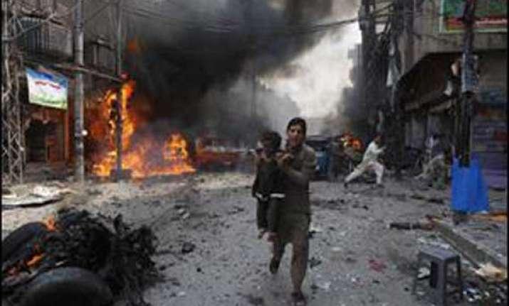 suicide bomber kills 9 in northwest pakistan