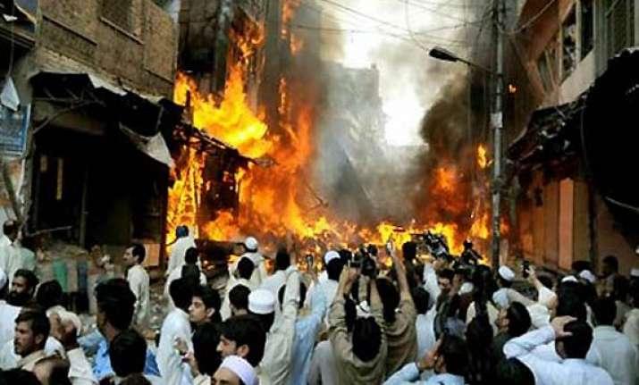 24 dead in suicide attack in northwest pakistan
