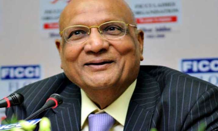 swraj paul honoured for promoting india uk educational ties