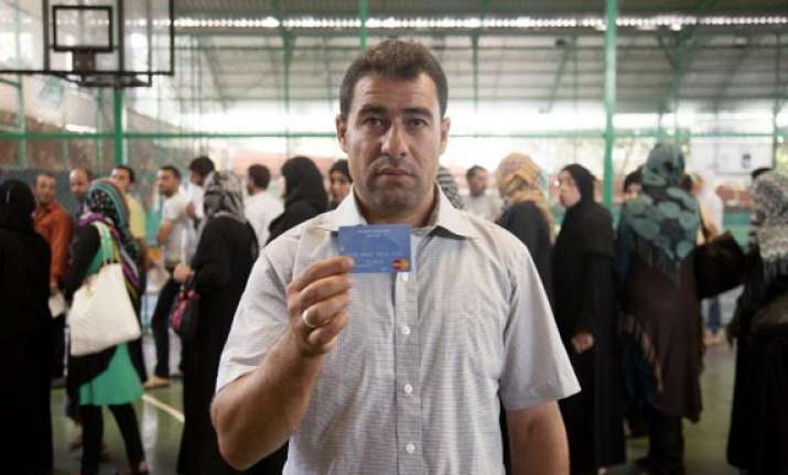 syrian refugees in lebanon exceed 800 000 un