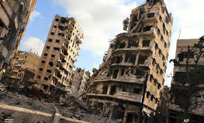 syrian troops advance in rebel held parts of homs