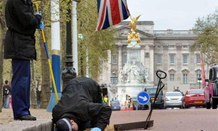 terror threat police gear up for royal wedding