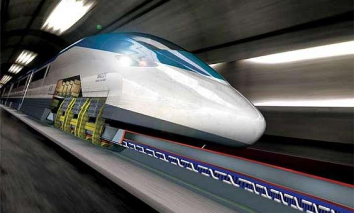 this train can run at 3 000 km an hour