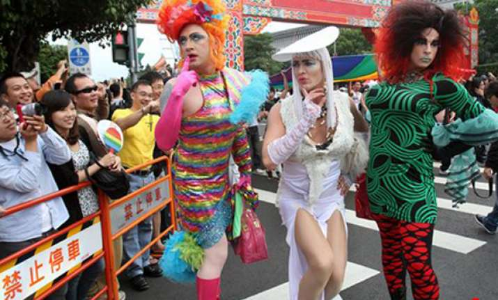 thousands march in taiwan gay rights parade