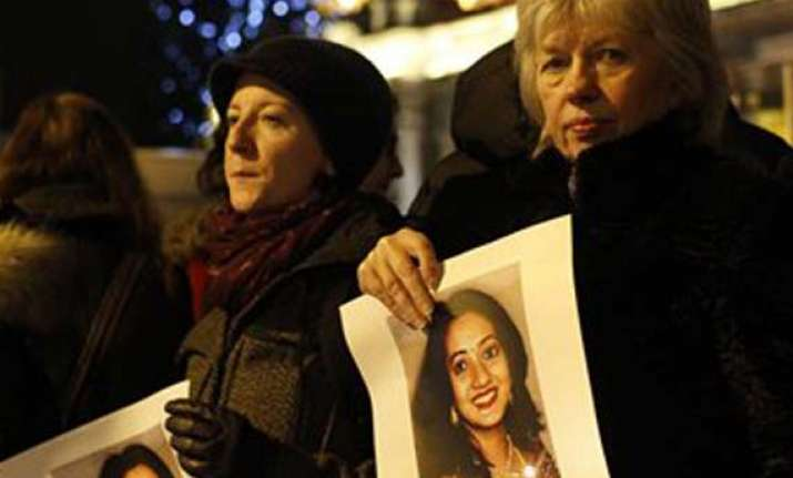 thousands come out in ireland to protest death of pregnant