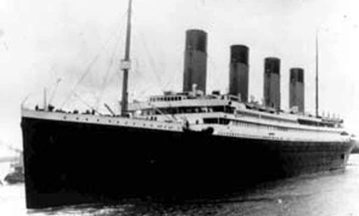 titanic captain was drunk when it hit the iceberg says