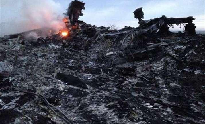 top aids experts among malaysian flight crash victims