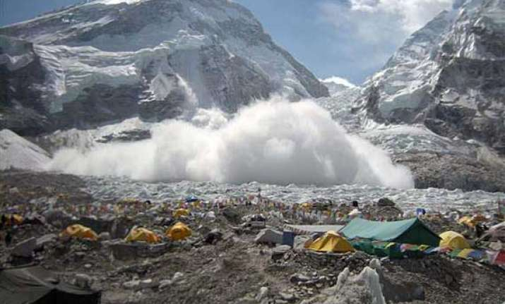 top nepal officials fly to everest to end crisis
