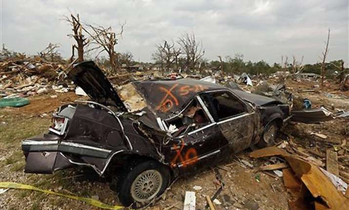 tornadoes level homes in oklahoma 1 dead