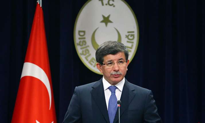turkey slaps economic sanctions on syria