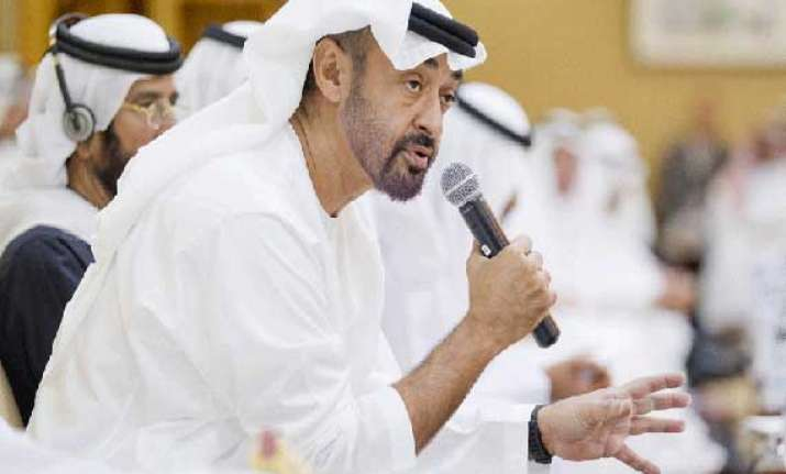 two indians awarded for honesty in uae